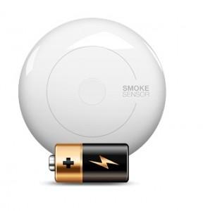 Fibaro Smoke Sensor работает на батарейках